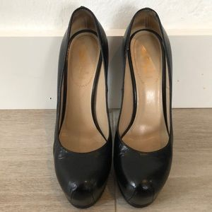 Used YSL Tribute pumps